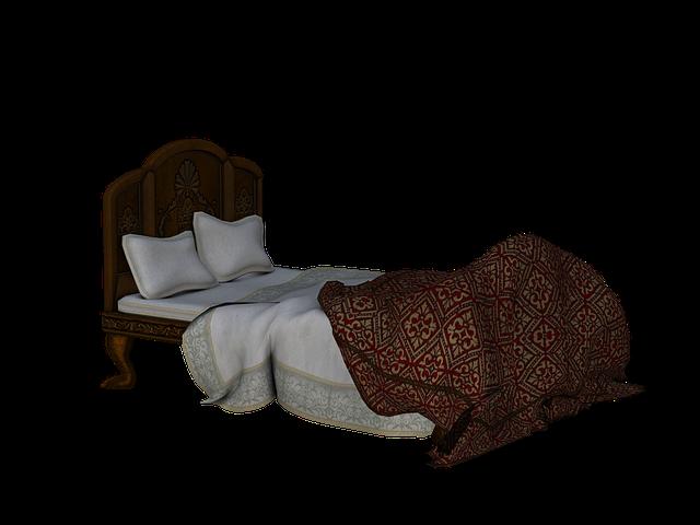 krásná dřevěná postel